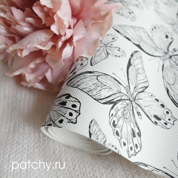Кожзам бабочки на белом
