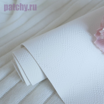 Кожзам белый чешуя soft touch