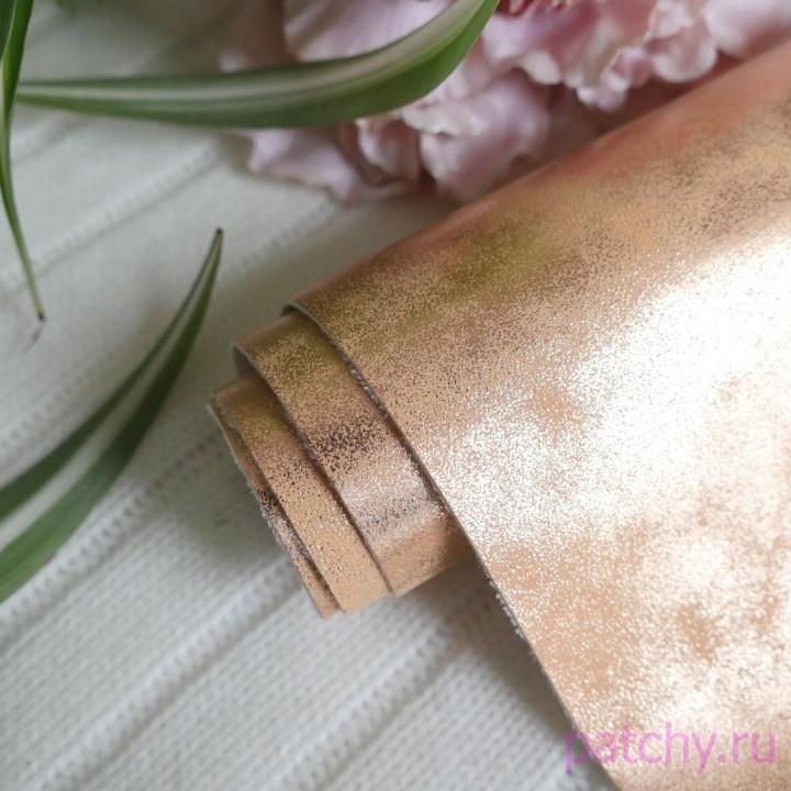 Кожзам морозный узор золото 35 х 70 см