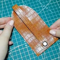 МК изготовление ключницы своими руками из переплетного кожзама