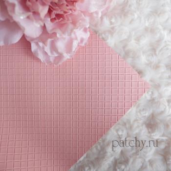 Кожзам в квадратик розово-персиковый