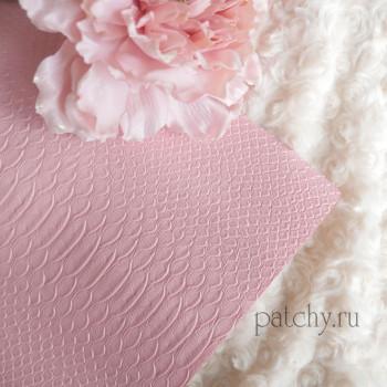Кожзам под питона нежно-розовый