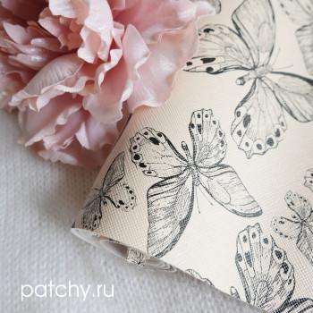 Кожзам бабочки на бежевом