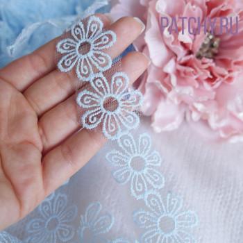 Кружево цветок голубое