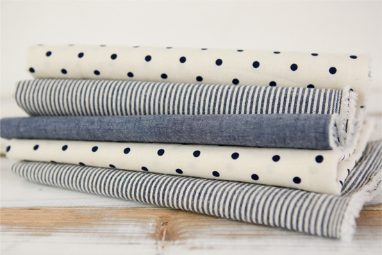 01 cozy table blue stripe